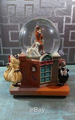 101 Dalmatians Snow globe Disney Villain Cruella De Vil Musical Snow globe Rare