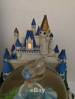 Cinderella Castle light up musical movement snow globe HTF