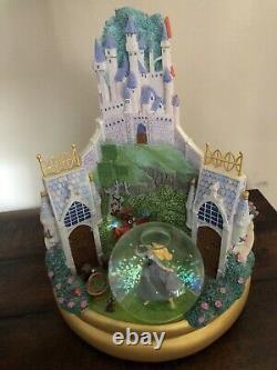 Disney 3 Scene Snow globe. Snow White, Sleeping Beauty, Cinderella Musical Spins