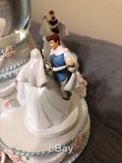 Disney 5 Princesses & Princes Wedding Cake Musical Snowglobe Everlasting Love