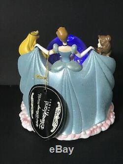Disney 6 Princess Musical Light Snow Globe Cinderella Jasmine Belle Ariel Castle