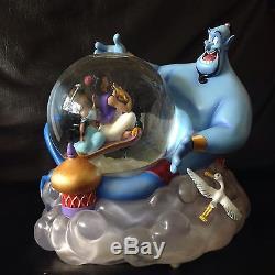 Disney Aladdin, Jasmine & Genie MAGICAL RIDE Musical Moving Fig Snowglobe MIB