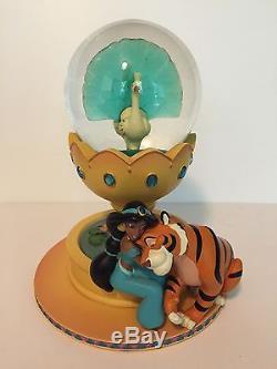 Disney Aladdin Jasmine Raja My Beloved Animal Friends Snowglobe
