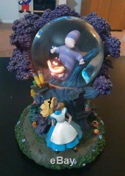 Disney Alice In Wonderland Cheshire Cat Snow Globe Musical Rare I'm Late Lights