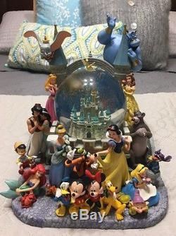 Disney Cinderella Castle Character Fab 5 Ariel StiTch Tink Music Light Snowglobe
