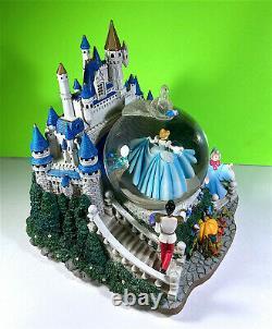Disney Cinderella & Castle Musical Animated Lighted Sparkly Snow Globe