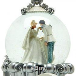Disney Cinderella Wedding Carriage Snow Globe (2096)