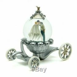 Disney Cinderella Wedding Carriage Snow Globe, Disneyland Paris Original N2096