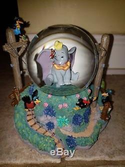 Disney Dumbo Snowglobe