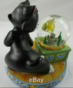 Disney Figaro & Cleo Pinocchio Musical Snowglobe Water Snow Globe Rare