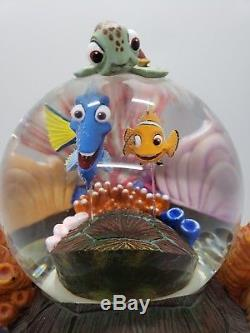 Disney Finding Nemo Snowglobe