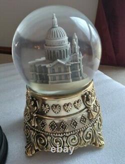 Disney Mary Poppins Feed the Birds St. Paul's Cathedral Snow Globe very rare htf