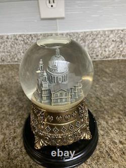 Disney Mary Poppins Feed the Birds St. Paul's Cathedral Snow globe very rare