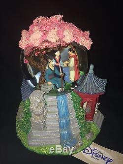 Disney Mulan Musical Snowglobe Rotating Base plays Reflection Rare with tag