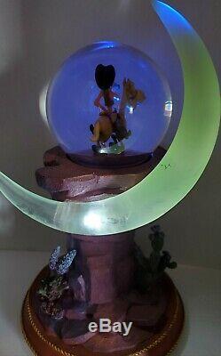 Disney Pedestal Snow Globe Pecos Bill & Widowmaker Rare