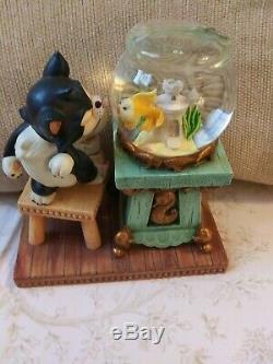 Disney Pinocchio Figaro & Cleo Fishbowl Snow Globe Free Shipping
