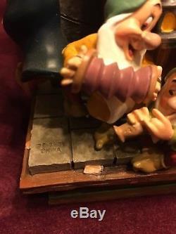 Disney Pinocchio Share Dream Come True Parade Musical Rotating Snow Globe