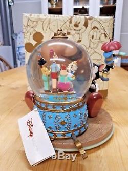Disney Pinocchio Snow globe