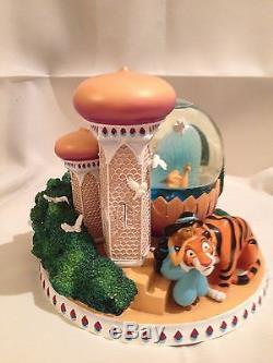 Disney Princess Jasmine & tiger in garden musical snowglobe