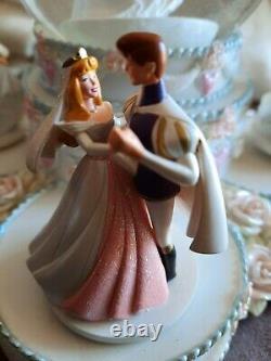 Disney Princess Wedding Large Musical Snow Globe, Perfect Working Condition