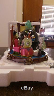 Disney Snow Globe Haunted Mansion