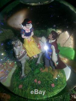 Disney Snow White Wish Opon A Star Dreams Come True Snow Globe