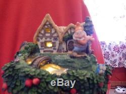 Disney Snow White and the Seven Dwarfs Hourglass Snow Globe