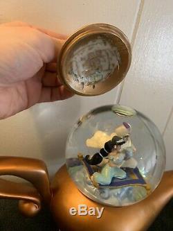 Disney Store Aladdin Art Of Jasmine Musical Snow Globe rare htf See Pics/read