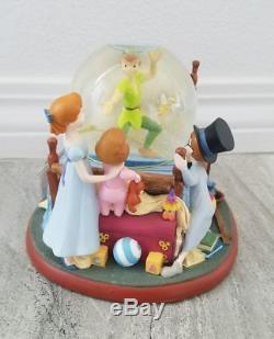 Disney Store Exclusive Peter Pan Tinkerbell Bed Room Snowglobe Water Snow Globe