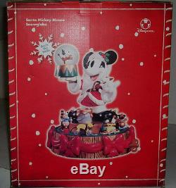 Disney Store Santa Mickey Figurine WithSnowglobe EX RARE HTF