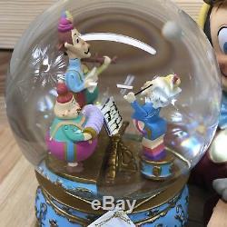 Disney Store Snowglobe Pinocchios Music Box Brahms Waltz Musical Spinning Figaro
