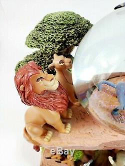 Disney Store The Lion King Pride Rock Circle of Life Snow Globe