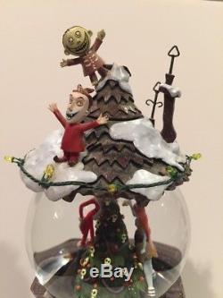 Disney Store What's This Nightmare Before Christmas Snow Globe Jack & Sally