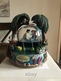 Disney The Little Mermaid Kiss the Girl Snow Globe