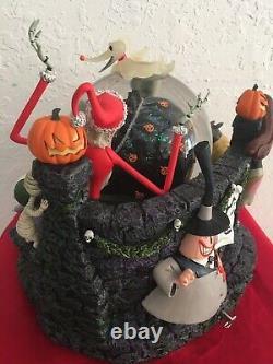 Disney The Nightmare Before Christmas Halloween Santa Rare Exclusive Snow Globe