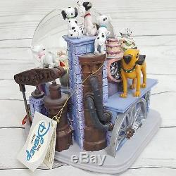 Disney Villains 102 Dalmatians Cruella de Vil Large Musical Snow Globe Retired