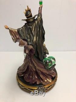 Disney Villains Evil Queen TRANSFORMATION Light Up Statue Figurine Snow globe