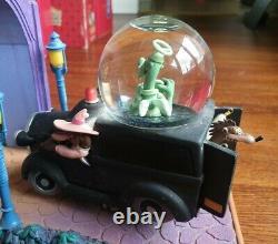 Disney Who Framed Roger Rabbit Jessica's Theme Car Chase Light-Up Snow Globe