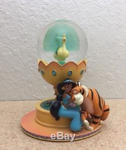 Disney aladdin snow globe Princess Jasmine Rare
