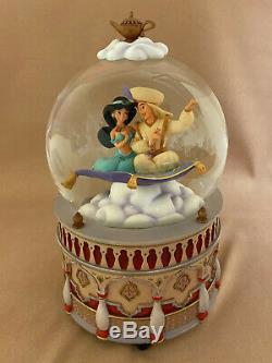 Disney's Aladdin Princess Jasmine Magic Carpet Snowglobe Snow Globe Figurine