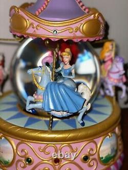 DisneyStore Princess Snow Globe. Ariel, Snow White, Belle, Cinderella On Carousel