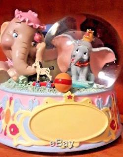 Disneys HTF Dumbo & Mama Jumbo Musical Water Glitter Snowglobe, Rock A Bye Baby