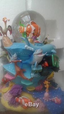 Finding Nemo Movie Deluxe Musical Snowglobe Disney Store Dory Bruce Music