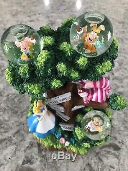 LE500 DISNEY Alice In Wonderland Snow Globe RARE Disney Auctions Cheshire