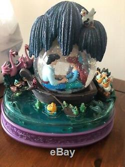 LITTLE MERMAID Kiss the Girl Water Snow globe Disney Ariel Musical