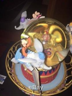 NEW Disney Store Snow Globe Dumbo's Magnificent Ride Great Gift! NIB