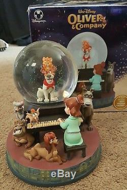 New Disney Store Oliver and Company snow globe