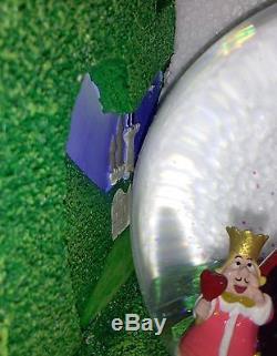RARE DISNEY Alice in Wonderland Queen of Hearts Snowglobe Bookends NIB
