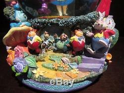 RARE Disney Alice in Wonderland Cheshire Cat Queen of Hearts Snowglobe Music Box