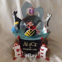 RARE Disney Alice in Wonderland QUEEN OF HEARTS Musical SnowGlobe-MIB